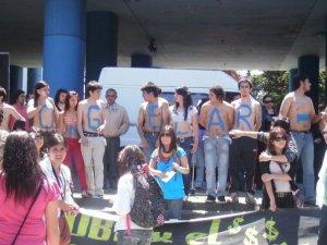 Alumnos UBB frente a la Gobernación